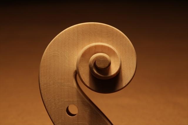 弦楽器フェアのご紹介と、ホワイトヴァイオリン_d0047461_14294943.jpg