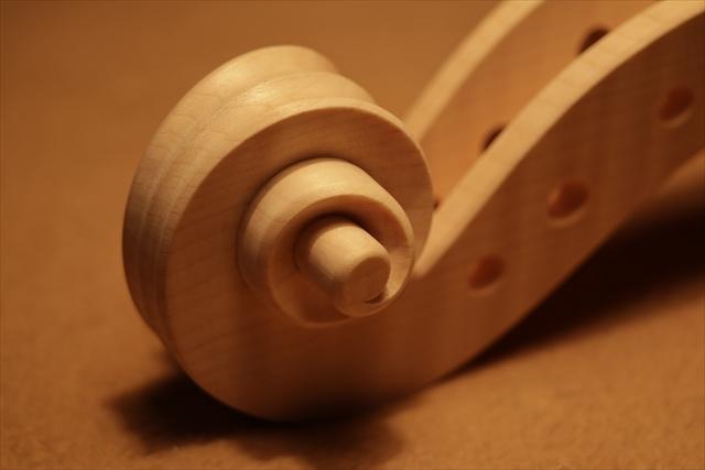 弦楽器フェアのご紹介と、ホワイトヴァイオリン_d0047461_14301873.jpg