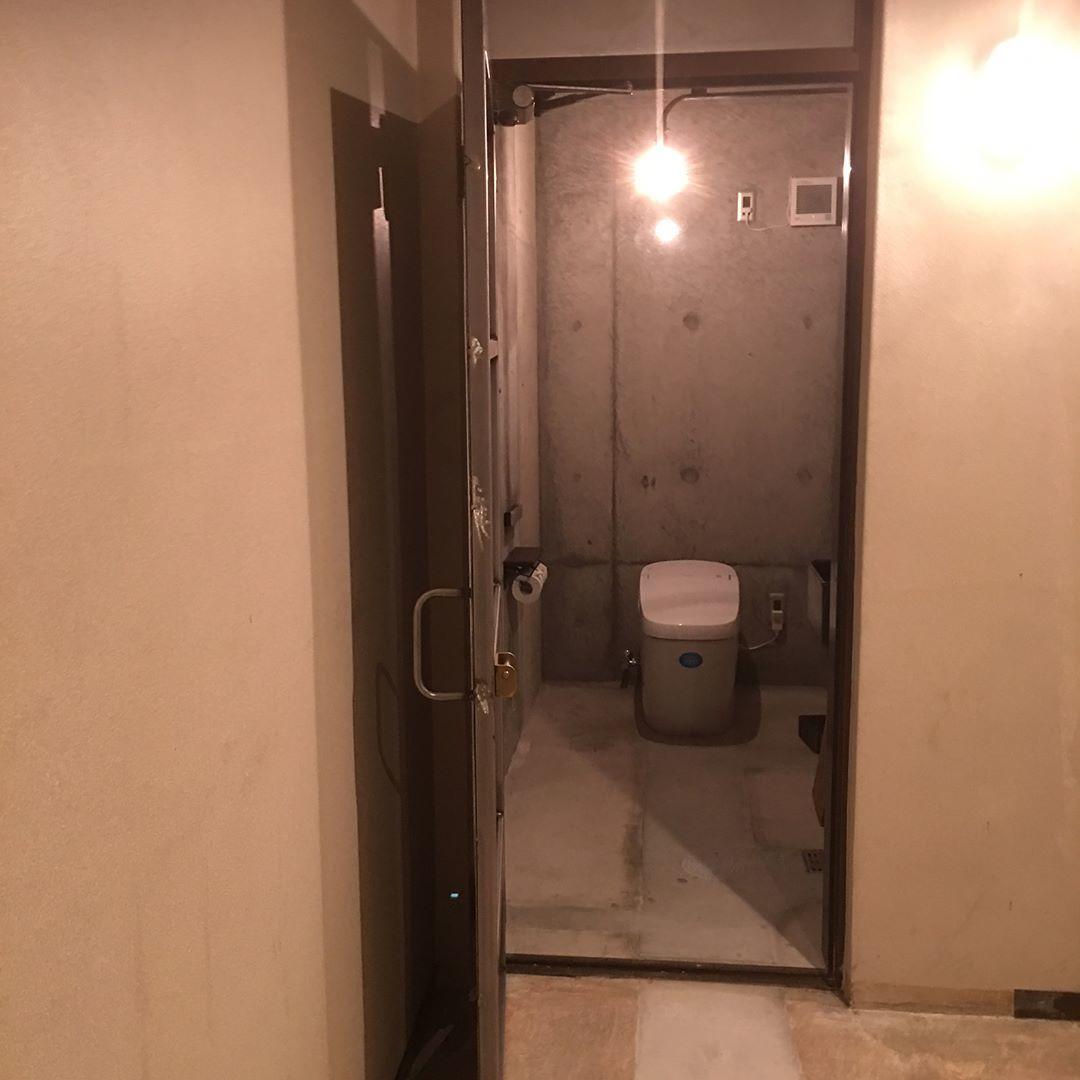 トイレの入り口_d0335577_20473210.jpeg