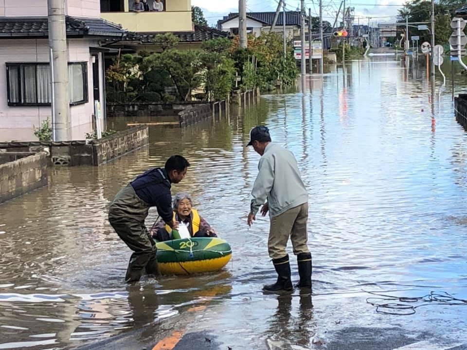 『台風19号 郡山市内 水害 朝6時』 _f0259324_22042850.jpg