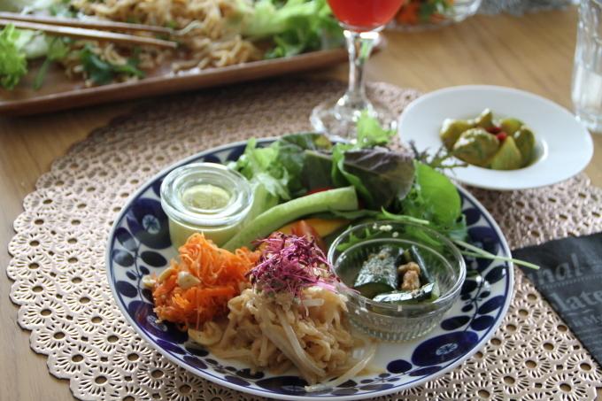 RAW FOOD & SUPER FOOD_a0105740_07493543.jpg