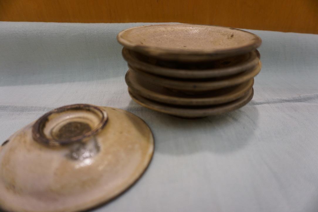つちものの豆皿と_b0132442_17521085.jpg