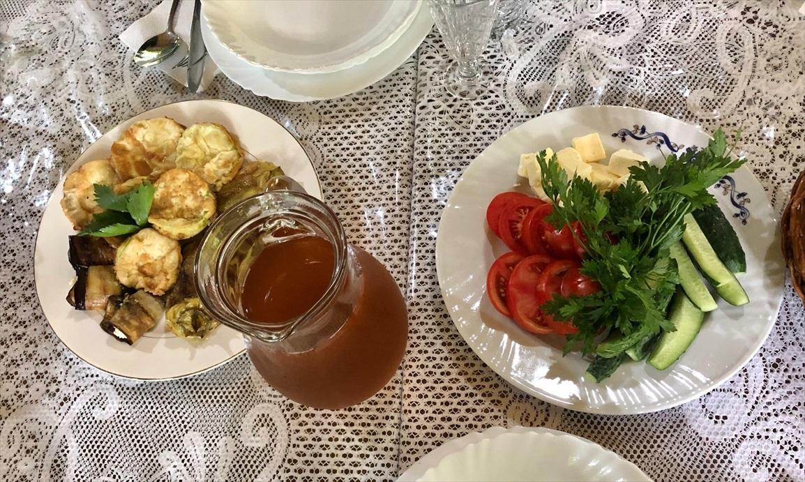 モルドヴァの家庭料理@オルヘイ村_a0092659_16480309.jpg