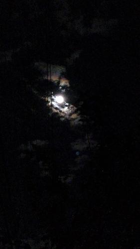 雲間の月_f0155808_21113725.jpg