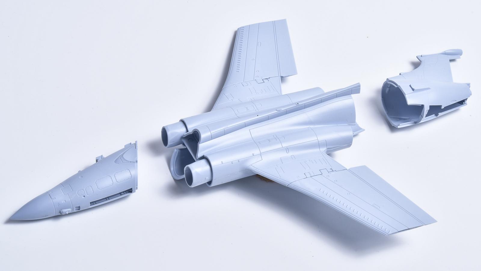 人生でいちばん好きな飛行機のプラモが新発売された人の話_b0029315_17463638.jpg