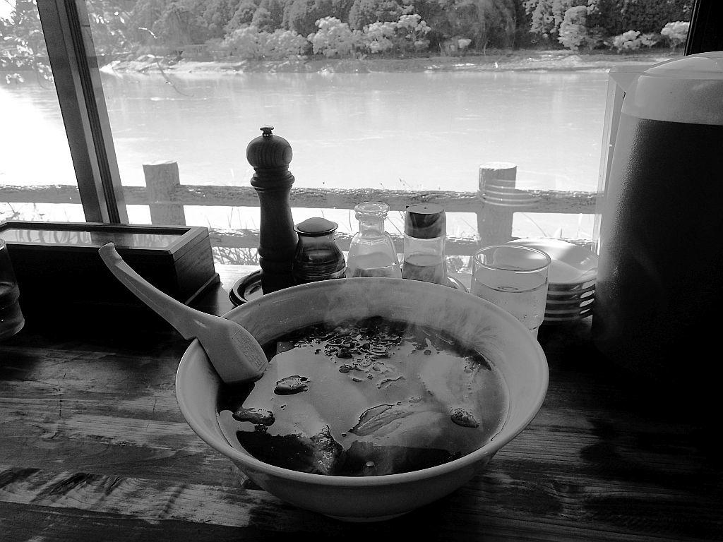 船明「とん吉」でチャーシュー麺_e0220163_17023640.jpg
