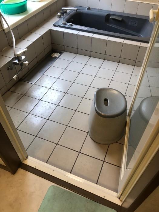 浴室床の転倒防止+冷たさ解消_c0131666_22020121.jpg