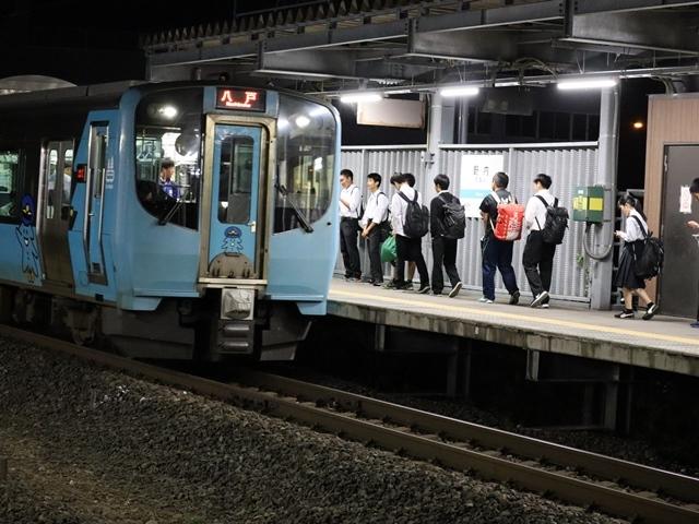 藤田八束の鉄道写真@青い森鉄道とカシオペアそして貨物列車が元気いっぱい・・・八村塁頑張れ若きエースに日本からエール_d0181492_22300227.jpg