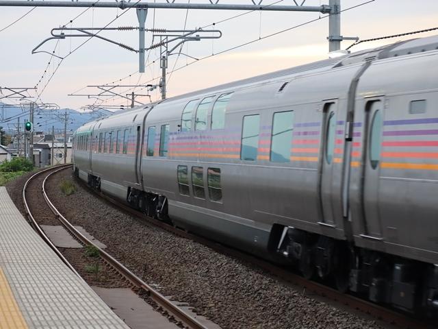 藤田八束の鉄道写真@青い森鉄道とカシオペアそして貨物列車が元気いっぱい・・・八村塁頑張れ若きエースに日本からエール_d0181492_22330445.jpg