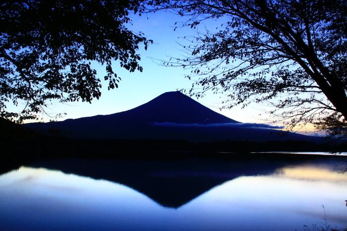 令和元年10月の富士(10)田貫湖夜明け前の富士_e0344396_14483455.jpg