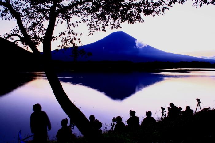 令和元年10月の富士(10)田貫湖夜明け前の富士_e0344396_14485687.jpg