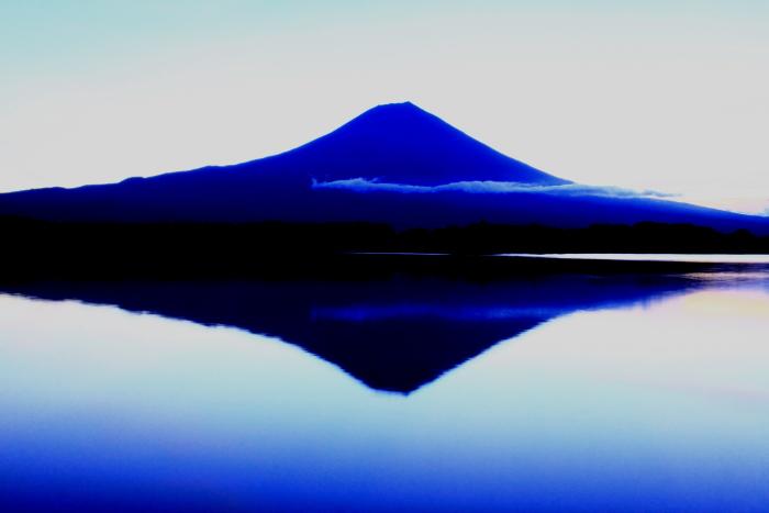 令和元年10月の富士(10)田貫湖夜明け前の富士_e0344396_14490483.jpg