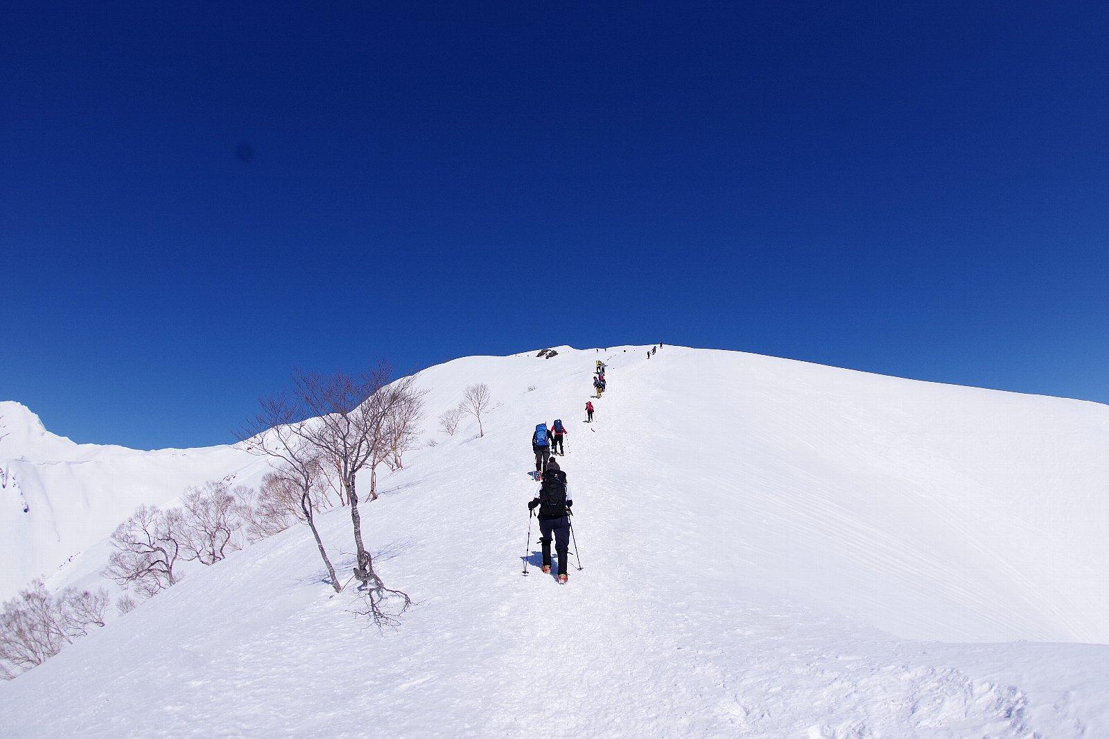 谷川岳ブルー!_a0165316_16353654.jpg