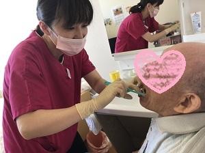 訪問の歯科衛生士さんって仲が良くて、雰囲気がいいのが魅力!_b0191221_23141761.jpg