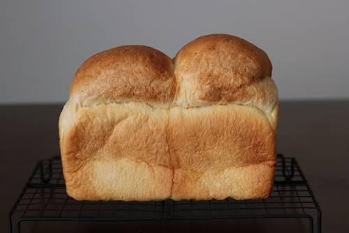 パン教室で「ハードトーストとダッチブレッド」成形の強弱について_a0165538_10180029.jpg