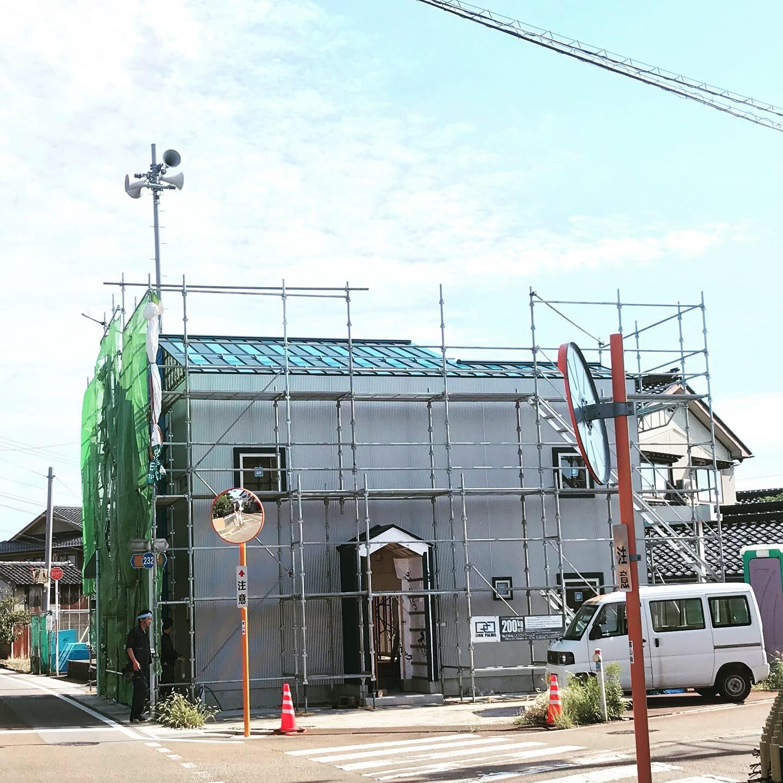 シマシマ屋根 完成_e0189939_17095604.jpeg