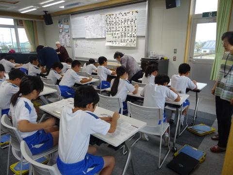 井波小学校で点字の講座_b0159251_15514538.jpg