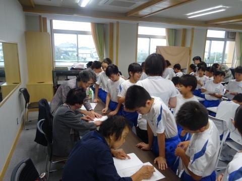 井波小学校で点字の講座_b0159251_16095491.jpg