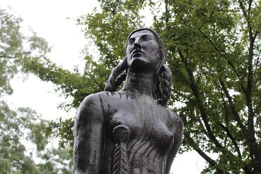 街角美術館 帯広美術館、百年記念館で出会った彫刻_f0362073_17005691.jpg