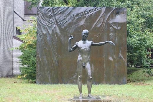 街角美術館 帯広美術館、百年記念館で出会った彫刻_f0362073_17021542.jpg