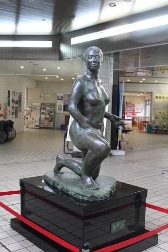 街角美術館 帯広美術館、百年記念館で出会った彫刻_f0362073_17044091.jpg