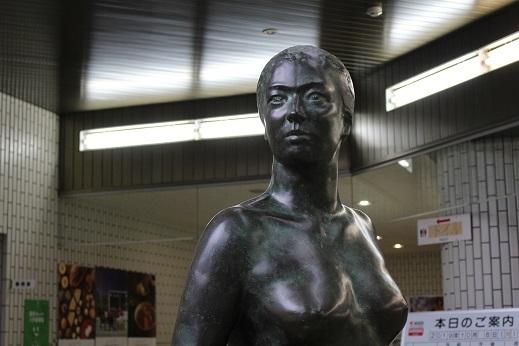 街角美術館 帯広美術館、百年記念館で出会った彫刻_f0362073_17050351.jpg