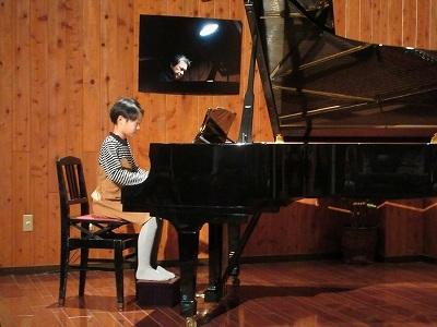 人間ドック   鮭のつかみ取り   ピアノ発表会_b0092684_15454618.jpg