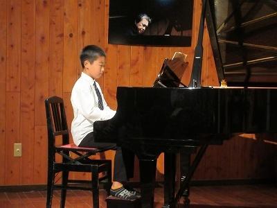 人間ドック   鮭のつかみ取り   ピアノ発表会_b0092684_15455573.jpg
