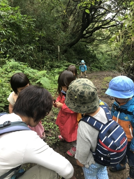 台風前日の披露山公園(2歳組)_b0310894_19050377.jpeg