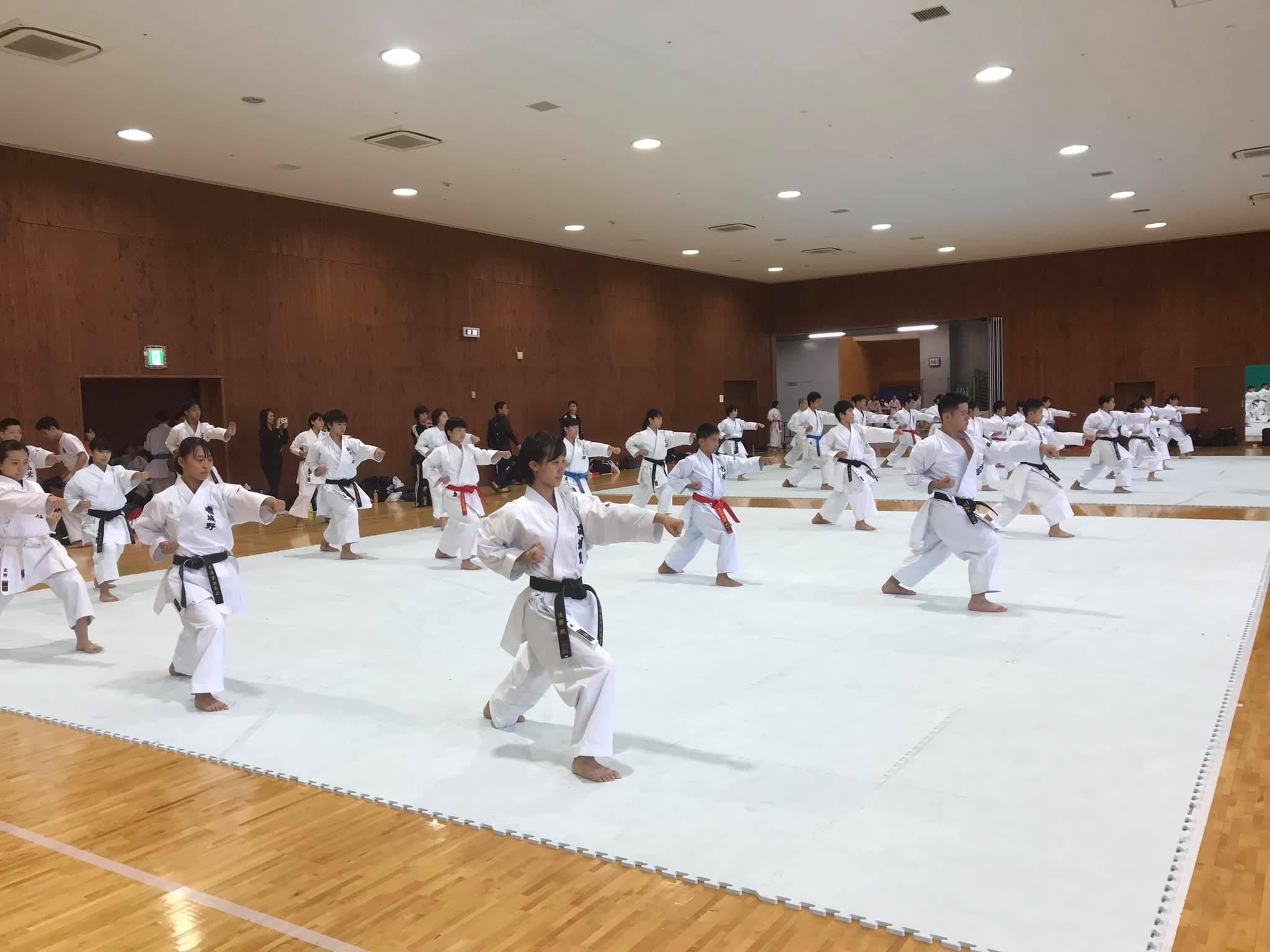 第1回パンダ杯全国高等学校空手道形競技錬成大会_e0238098_15412559.jpg
