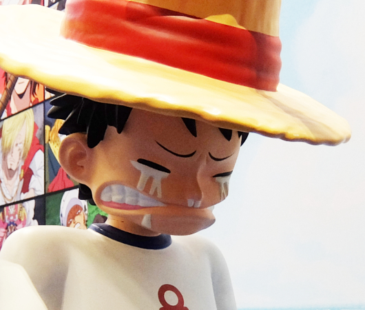 シャンクスから麦わら帽子をもらうルフィのフィギュア_b0007805_10094154.jpg