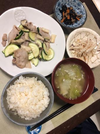 豚肉とズッキーニの炒め物_d0235108_20294900.jpg