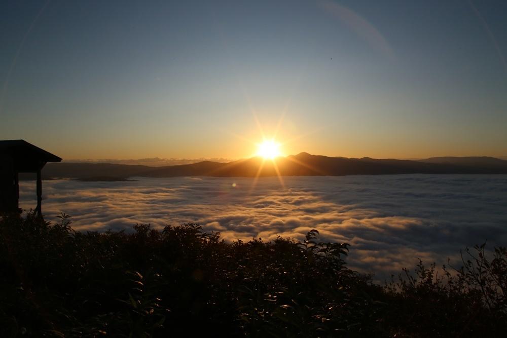 今日の朝夕景とグラウンドゴルフ_c0111229_18525623.jpg