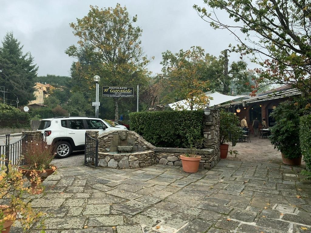 トスカーナの人気のレストランIL GORAIOLO!_c0054646_14482504.jpg
