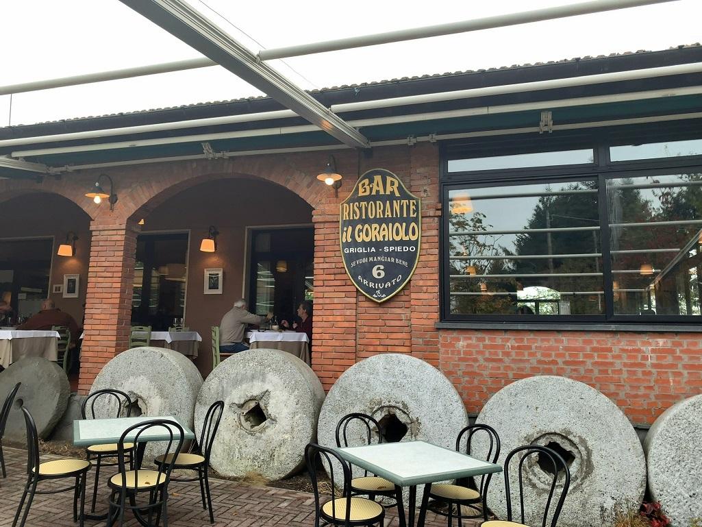 トスカーナの人気のレストランIL GORAIOLO!_c0054646_17143249.jpg