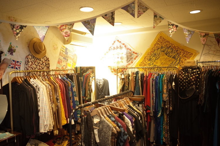 From VintageRoom☆10月20日(日)はALL10%OFF☆DAY★☆★_e0269968_18585097.jpg