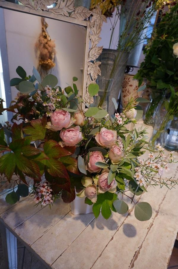 オークリーフ花の教室(須藤さんの作品)_f0049672_18002514.jpg