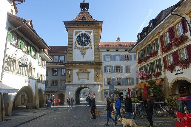 スイスでの週末(2)~ スイスの宝石・ムルテン_c0211876_05122206.jpg