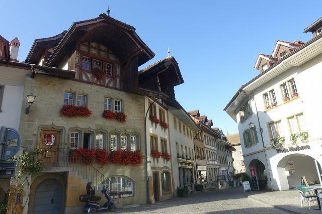 スイスでの週末(2)~ スイスの宝石・ムルテン_c0211876_05130538.jpg