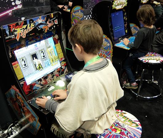 米国でますます人気のレトロ・ゲーム_b0007805_07074966.jpg