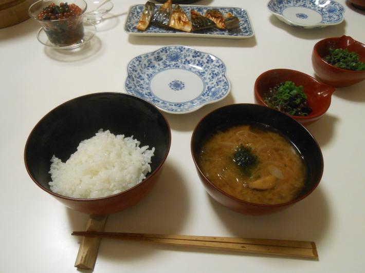 お昼ご飯は栗ご飯おむすびです。_a0095931_10315227.jpg