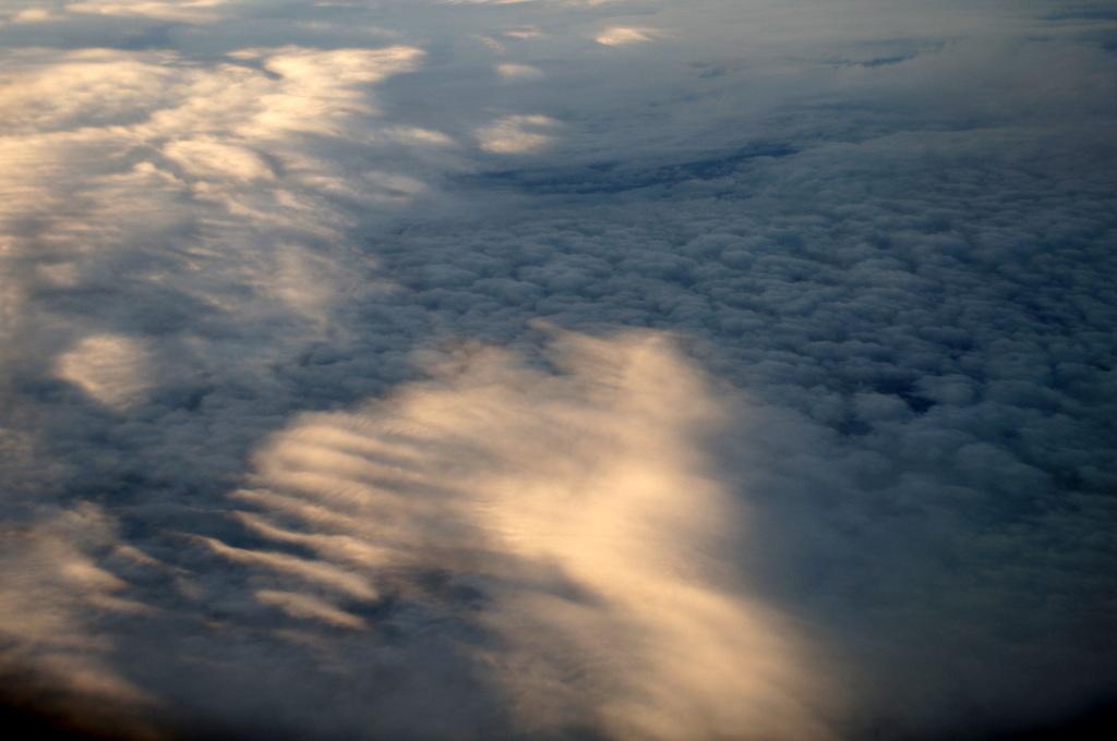 秋の帰国はLOTポーランド航空で_c0180686_01441680.jpg