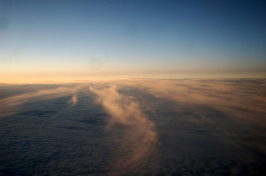 秋の帰国はLOTポーランド航空で_c0180686_01442524.jpg