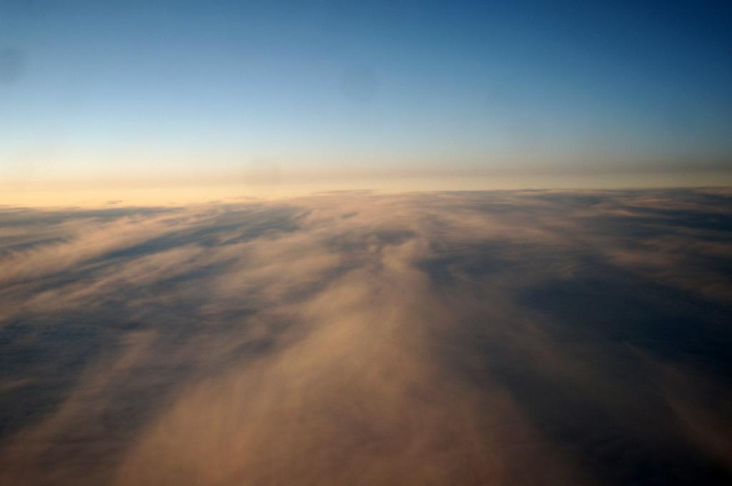 秋の帰国はLOTポーランド航空で_c0180686_01443066.jpg