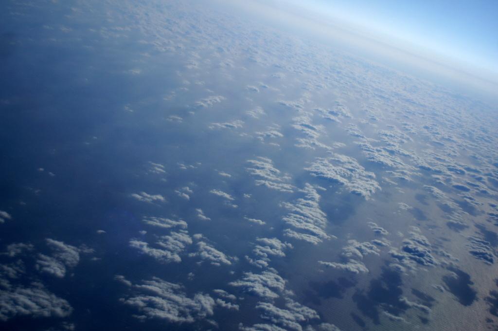 秋の帰国はLOTポーランド航空で_c0180686_01445861.jpg