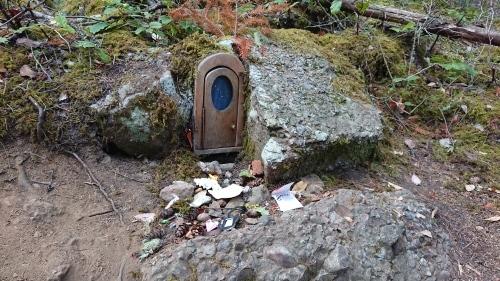ソルトスプリング島 ⑧ アースキン山(妖精の扉)_b0117700_05185337.jpg