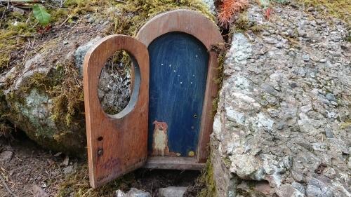ソルトスプリング島 ⑧ アースキン山(妖精の扉)_b0117700_05190495.jpg