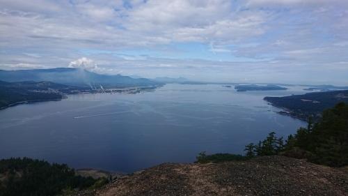 ソルトスプリング島 ⑧ アースキン山(妖精の扉)_b0117700_06291245.jpg