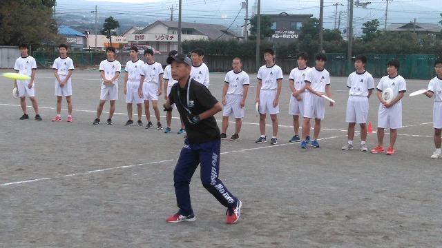 地元・富士市からアルティメットの普及・拡大を! 富士高校へのディスクの寄贈と元全日本プレーヤーによる実技指導_f0141310_06592040.jpg