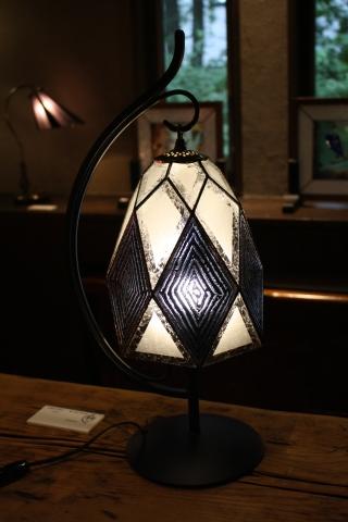 大須賀昭彦 和子 ステンドグラスの灯り展 10月27日(日)まで開催_a0260022_16022815.jpg